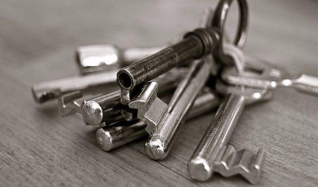 llaves en el restaurante de escapismo
